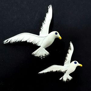 Vintage Gerry's Set of 2 Seagull Brooches Pins